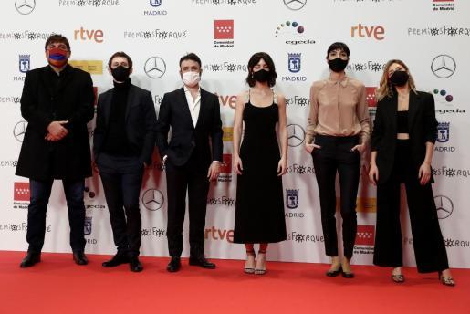 """Integrantes del equipo de la serie """"Antidisturbios"""" a su llegada a la gala de entrega de los Premios Forqué."""