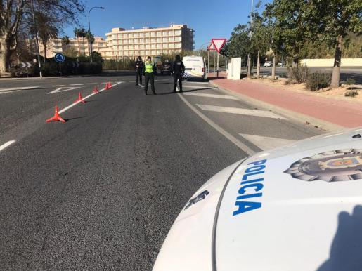 Control policial en Sant Antoni.