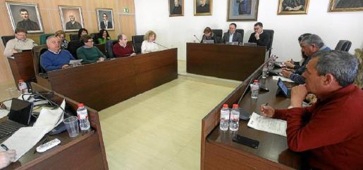 El Pleno del Ayuntamiento de Sant Josep en una sesión de 2019.