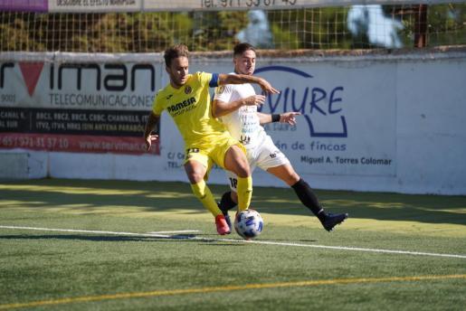 Un lance del partido de la primera vuelta entre la Peña Deportiva y el Villarreal B.