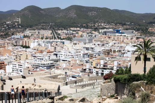 Vista de la ciudad de Ibiza desde las murallas.