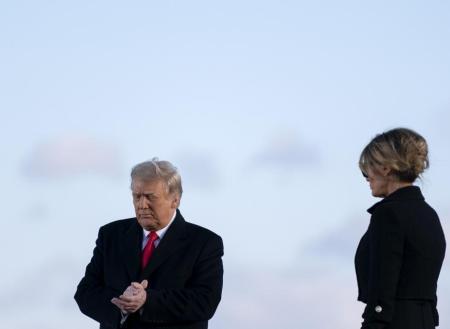 El desplante de Melania Trump a su llegada a Florida: «Ya le da todo igual»