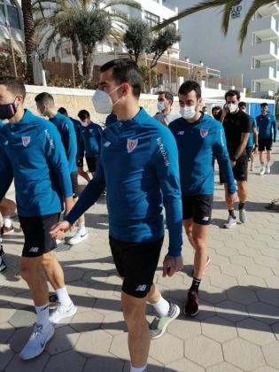 Los jugadores del Athletic Club pasean por la ciudad de Ibiza antes del partido contra la UD Ibiza.