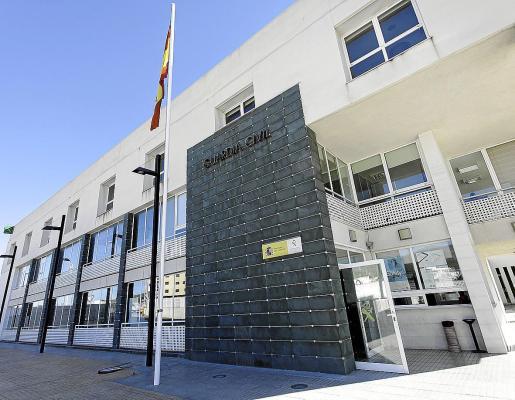 El individuo, que cuenta con antecedentes por hechos similares, fue detenido por la Guardia Civil de Ibiza.