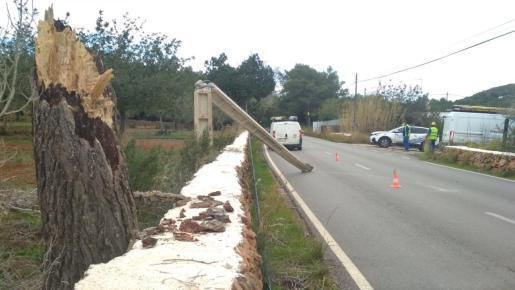Incidencias en la carretera de Sant Carles a Es Canar.