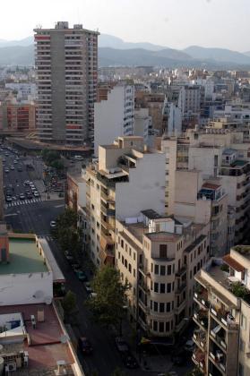 Hay que conseguir más vivienda. Esa es la demanda de Podemos al Govern: los morados creen que el anuncio de compra de ocho pisos a un fondo de inversión es claramente insuficiente para poner solución al grave problema de la vivienda en las Islas.
