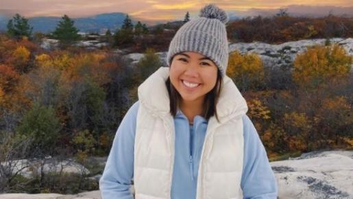 Muere a los 21 años la bloguera de viajes Nikki Donnelly tras perderse en la montaña.