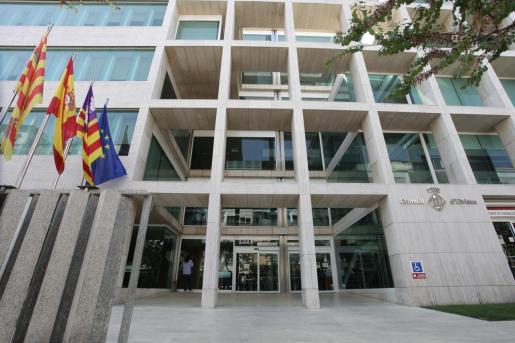 Fachada de la sede del Consell de Ibiza.