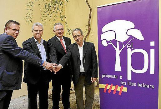 Xicu Torres, Josep Melià, Jaume Font y Fèlix Ripoll ante el logo de PI. g Foto: JAUME MOREY