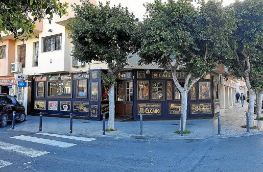 Uno de los bares en Vila cerrado por la crisis sanitaria.