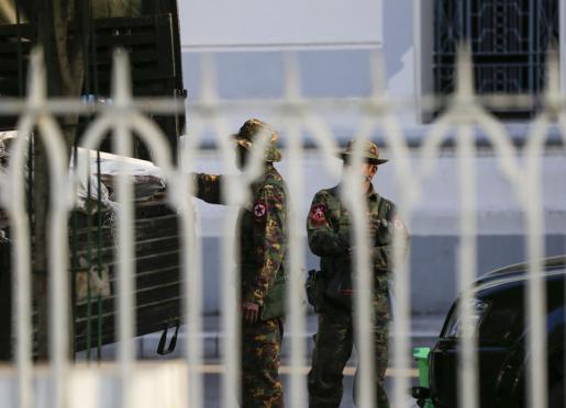 Los militares asumen el poder en Birmania declarando el estado de emergencia durante un año.