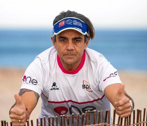 Eusebio Noguera, ayer en la playa de es Cavallet.
