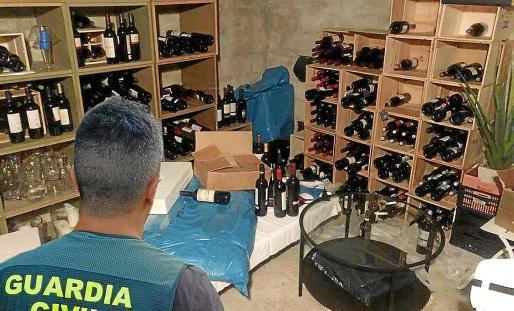 La banda escondía el botín en un almacén clandestino localizado por la Guardia Civil.