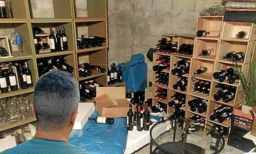 Los delincuentes guardaban parte del botín en un almacén localizado por la Guardia Civil.