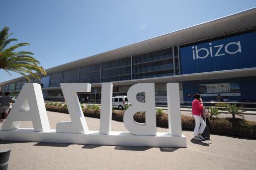 El aeropuerto de Ibiza durante el pasado verano.
