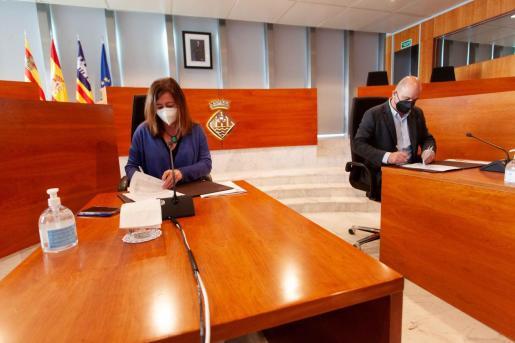 Francina Armengol y Vicent Marí firmaron el convenio para estas ayudas el pasado lunes.
