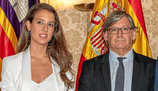 Gloria Santiago y Vicenç Thomas, vicepresidenta primera y presidente del Parlament en una foto de archivo.