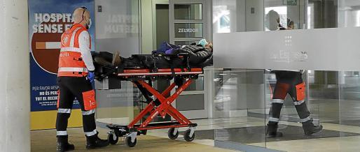 Al poco tiempo del primer caso empezaron a entrar pacientes por urgencias.