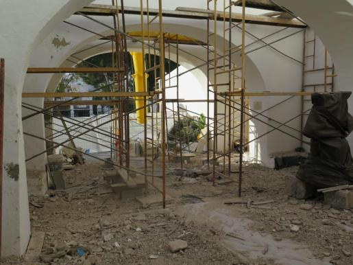 Una imagen de la reparación llevada a cabo en la iglesia de Sant Josep.