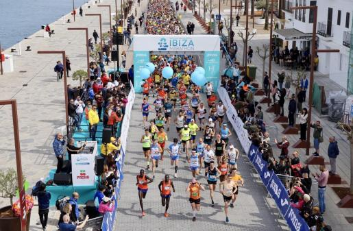 Salida de la última edición del Ibiza Marathon.