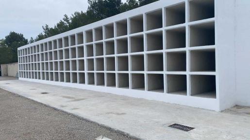 Los nuevos nichos del cementerio de Sant Agustí.