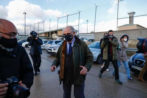 El expresidente de Bankia Rodrigo Rato a su salida el 2 de octubre del centro penitenciario de Soto del Real, gracias al tercer grado.