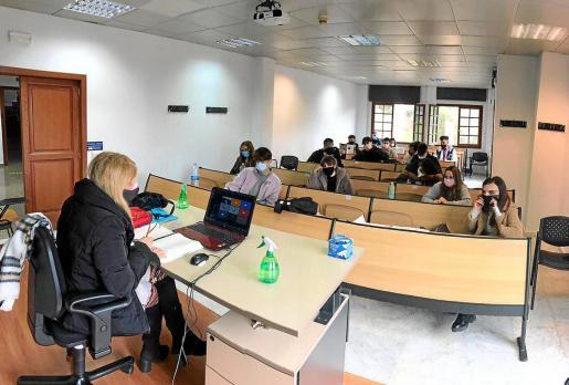 Una clase presencial en un aula de la Escuela de Turismo, en una imagen del viernes pasado.