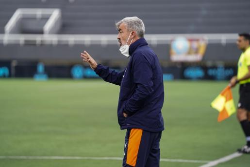 Óscar Fernández, entrenador del Valencia Mestalla.
