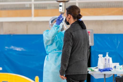 Uno de los cribados masivos realizados en la isla de Ibiza para frenar la expansión de la tercera ola de la pandemia por coronavirus.