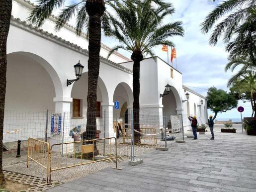 Las obras en el antiguo ayuntamiento de ibiz aya han comenzado.