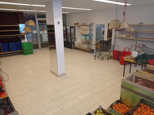 El almacén de alimentos de Cáritas Diocesana de Ibiza está actualmente casi vacío.