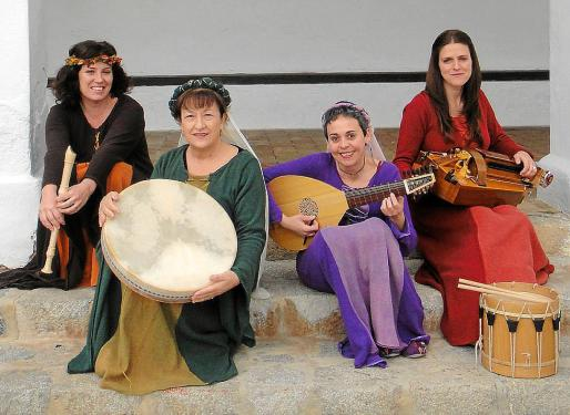 TROBAIRITZ. El cuarteto de música medieval ofrecerá un concierto a partir de las 20.00 horas en la Sala de Plenos del Ayuntamiento de Sant Joan de Labritja.