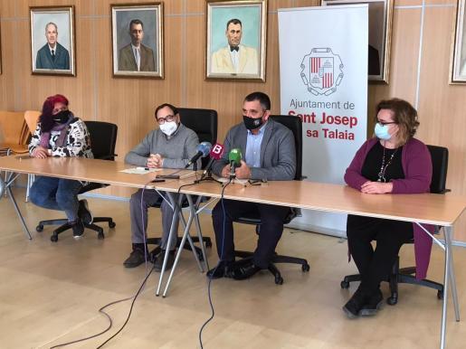 Rueda de prensa celebrada este jueves en el Ayuntamiento de Sant Josep.