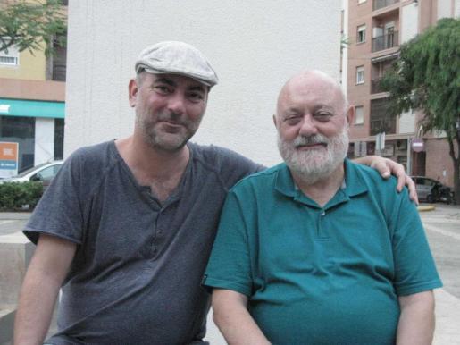 Alfons G. Ninet, a la derecha, junto a su hijo el malogrado poeta ibicenco Manel Marí, fallecido en 2018.