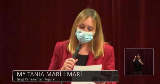 Tania Marí, durante la sesión de este martes en el Parlament.