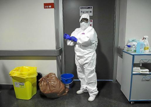 palma 11h. LOCAL. Reportatge HUSE. A la planta 2 K (Comunicació) de hospital Son Espases. (Sabrina) a les 11. FOTOS coronavirus CAÑELLAS  foto miquel a cañellas