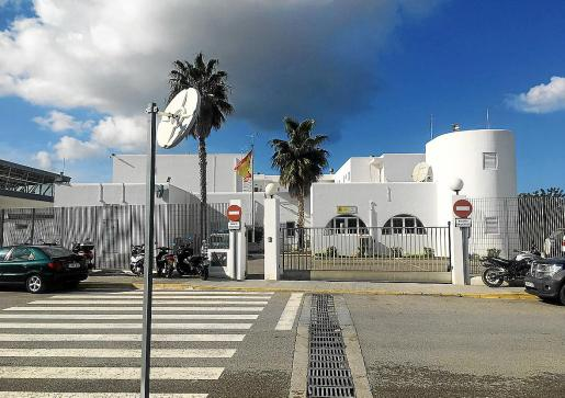 La Guardia Civil de Sant Antoni sorprendió a uno de los acusados que serán juzgado por la Audiencia Provincial.