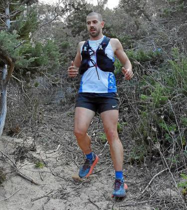 Nacho Ribas, en un tramo de Cala Molí, ayer durante la primera etapa de La Vuelta a Ibiza Solidaria.