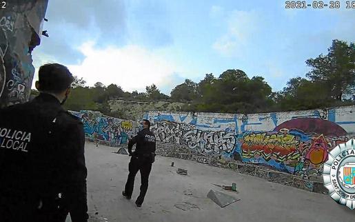 Patrulla de la Policía Local de Sant Josep durante la actuación el antiguo 'Festival Club'.