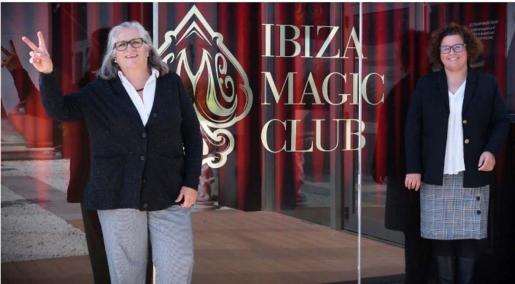 Ibiza Magic Club dona dos toneladas de alimentos a Carritos Solidarios.
