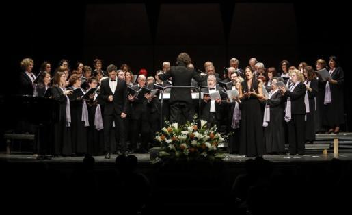 Tanto Ibiza como Baleares tienen una gran tradición de grandes directores de directores de coro y agrupaciones amateurs y profesionales.