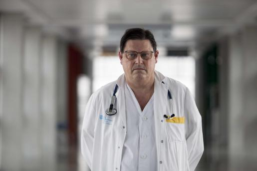 El doctor Canet, en el hospital Can Misses.
