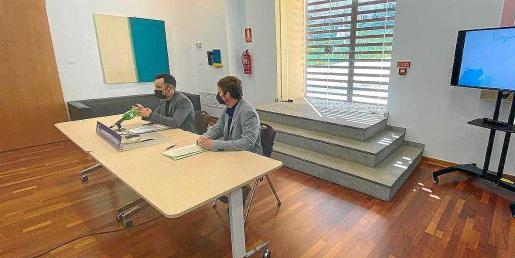 El alcalde y el concejal de Medio Ambiente, durante la presentación del Plan de Gestión Sostenible del Agua.