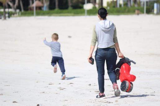El 33 % de los niños baleares, en riesgo de exclusión social por la COVID.