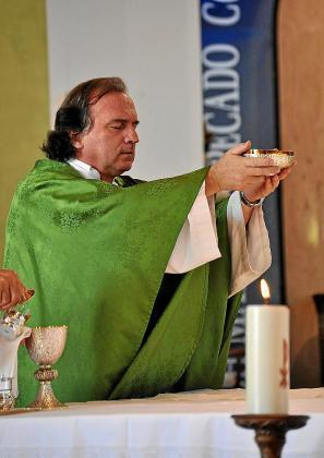 Imagen de archivo del sacerdote Juan Manuel de Souza.