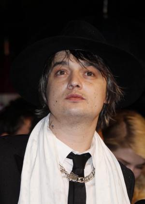 """El cantante británico Pete Doherty llega al estreno de la película """"Jagten"""" el domingo 20 de mayo de 2012, durante el 64 Festival de Cine de Cannes (Francia)."""