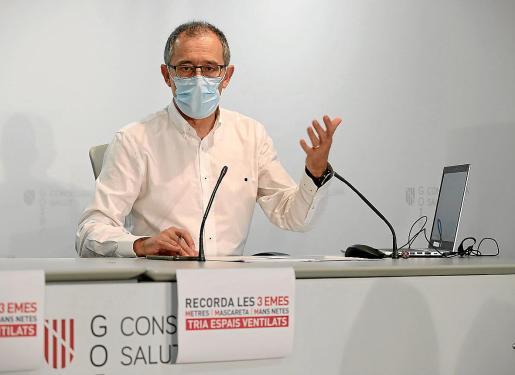 Imagen de archivo del doctor Javier Arranz durante una rueda de prensa.