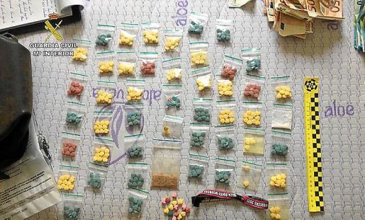 Imagen de archivo de una incautación de la Guardia Civil en Ibiza.