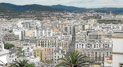 El Consell d'Eivissa hace campañas de inspección para detectar alquileres de pisos a turistas.