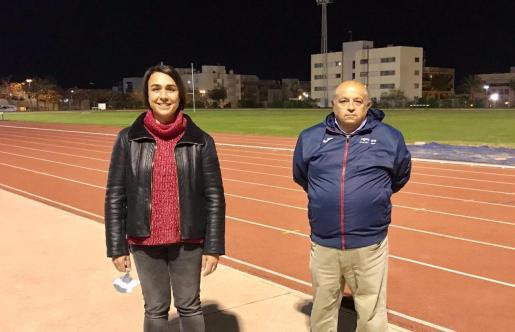 Mar Sánchez y Toni Roig posan en las pistas de Can Misses.